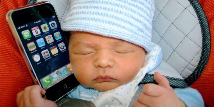 Il tuo bambino è pronto per un cellulare?